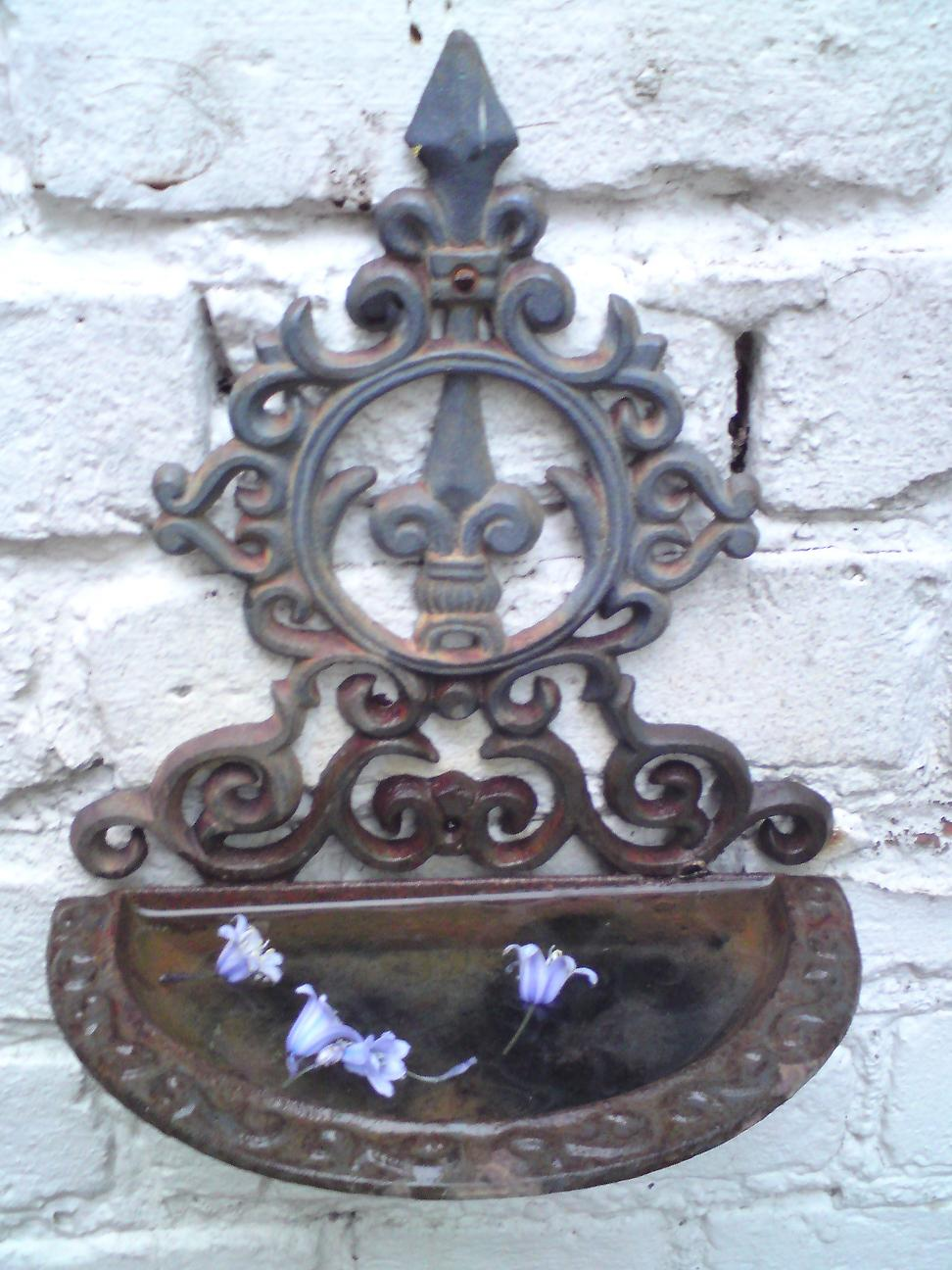 decorative iron bird bath 2
