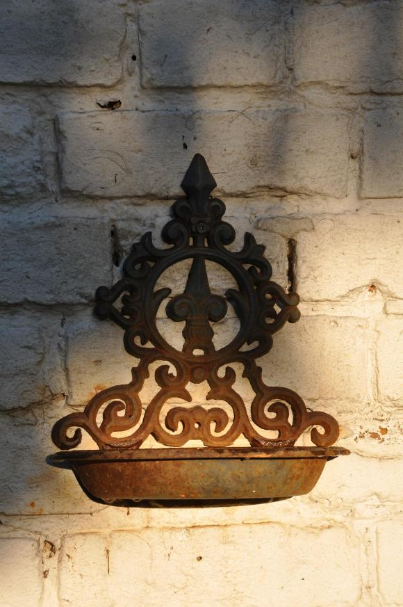 decorative iron bird bath
